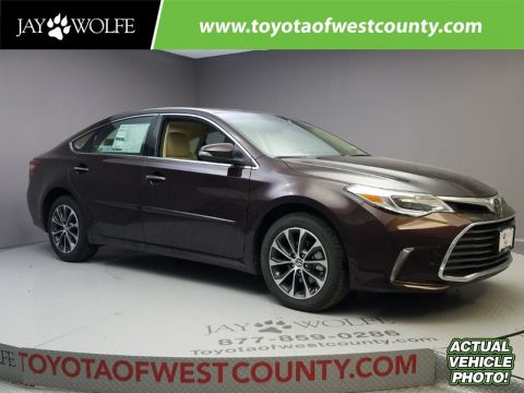 New 2018 TOYOTA AVALON XLE Sedan