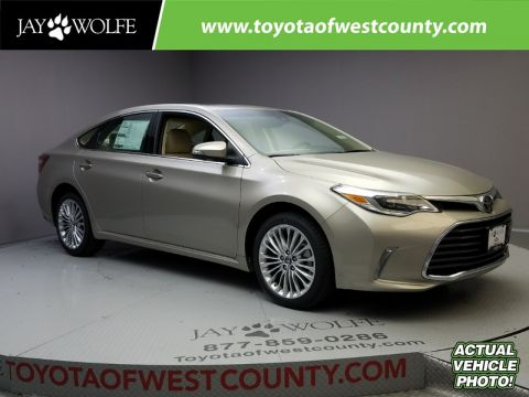 New 2018 TOYOTA AVALON LIMITED Sedan