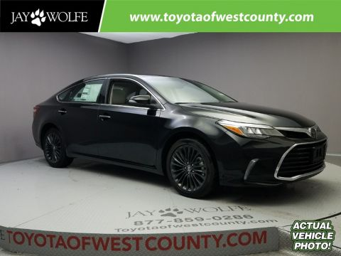 New 2018 TOYOTA AVALON TOURING Sedan With Navigation