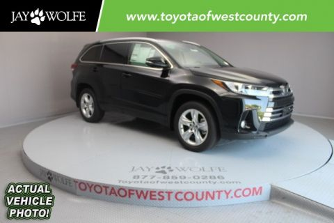 New 2017 Toyota Highlander Limited 4D Sport Utility AWD