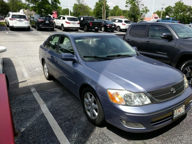 Pre-Owned 2000 Toyota Avalon