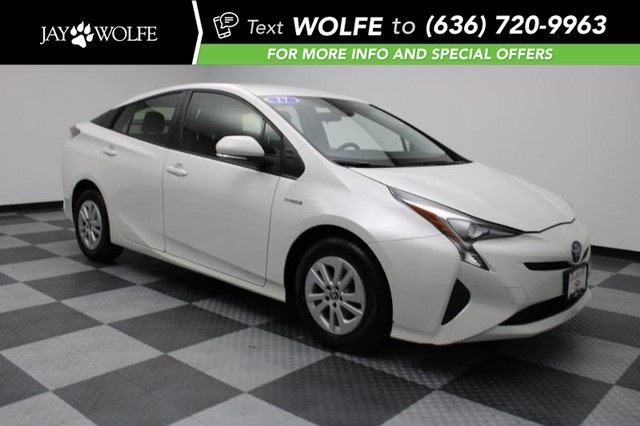 Pre-Owned 2017 Toyota Prius One