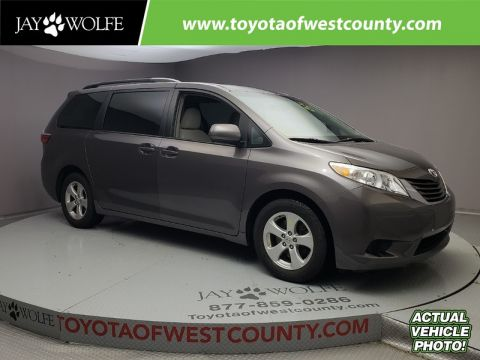 Certified Pre-Owned 2015 TOYOTA Sienna 5DR 8-PASS VAN LE FWD